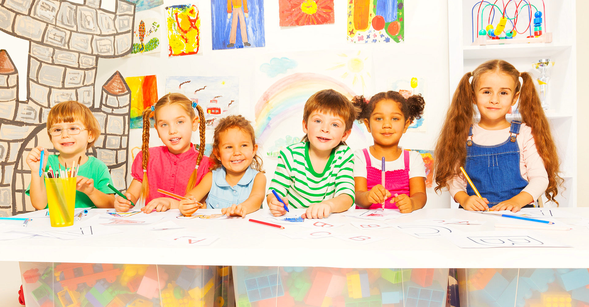 children doing artwork